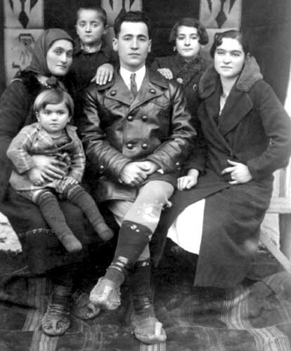 Миљко Петровић Рижа са породицом